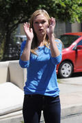 "Julia Stiles- Set of ""Dexter"" in Los Angeles 08/18/10- 4 HQ"