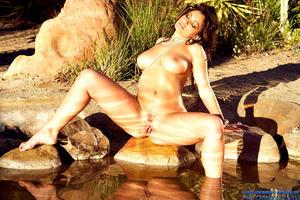Aria Giovanni Naked & Wet