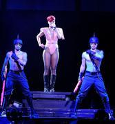 th_55701_RihannaLastGirlOnEarthTourLasVegasUSA17.07.2010_130_122_242lo.jpg