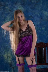 http://img193.imagevenue.com/loc443/th_715916357_tduid300163_Silver_Starlets_Katenka_Purplelingerie_1_120_122_443lo.jpg