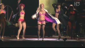 http://img193.imagevenue.com/loc520/th_032183726_BritneySpear_outOHL.avi_20150414_201614.078_123_520lo.jpg