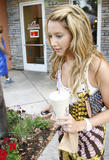 HQ celebrity pictures Ashley Tisdale